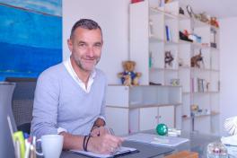 Mallorca Palma Ärzte Kinderpsychologe Dr. Joachim Schreck Porträt