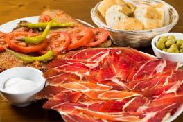 Mallorca Restaurants Port D'Alcudia Bodega des Port Schinken