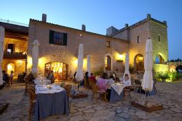 Mallorca Restaurant Manacor Son Amoixa Vell Terrasse am Abend